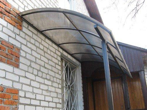 1371468137_kozyriki-iz-polikarbonata-foto-12